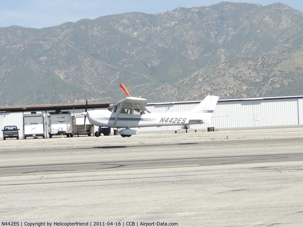 N442ES, 1998 Cessna 172R Skyhawk C/N 17280350, Over runway 24