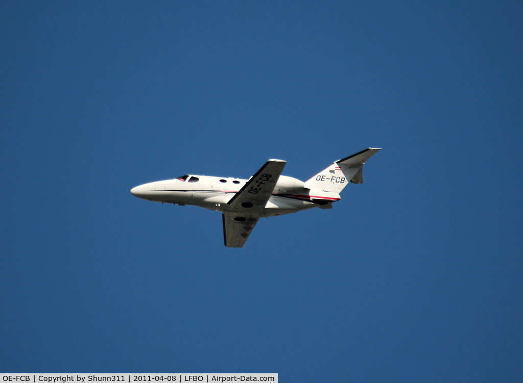 OE-FCB, Cessna 510 Citation Mustang C/N 510-0044, Taking off rwy 32R