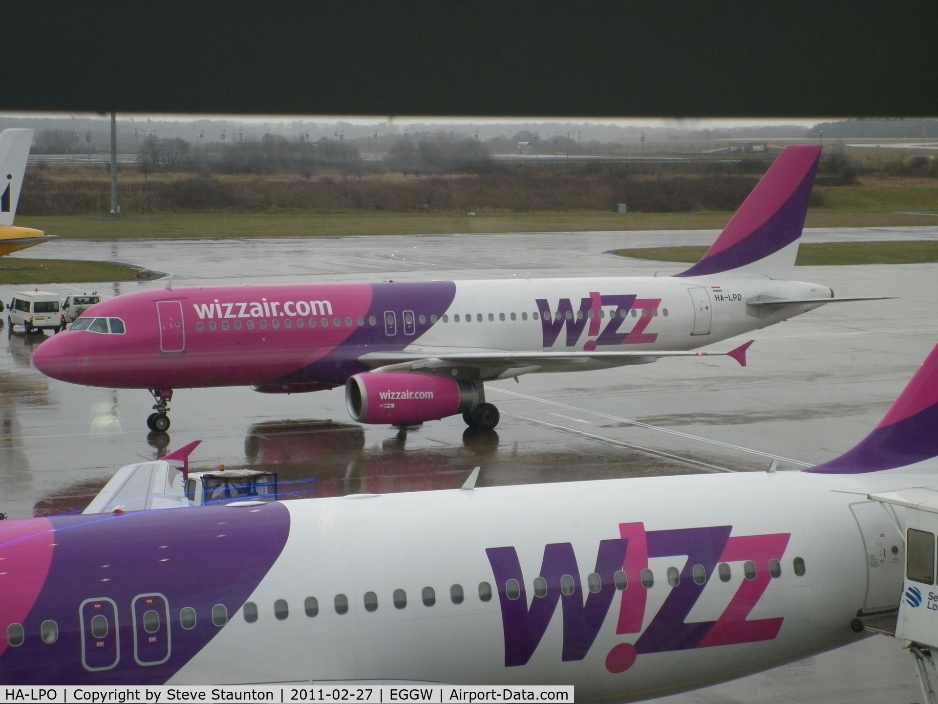 HA-LPO, 2008 Airbus A320-232 C/N 3384, Taken on a wet February morning at Luton whilst waiting to fly to Cyprus