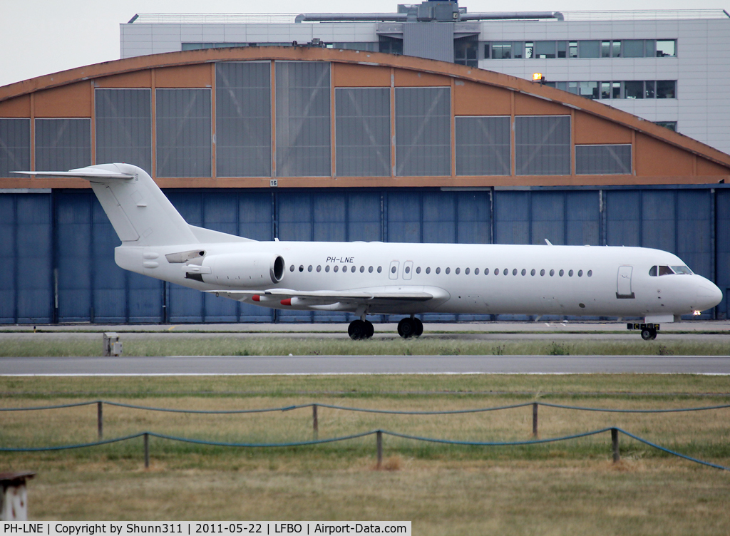PH-LNE, 1991 Fokker 100 (F-28-0100) C/N 11322, Taxiing holding point rwy 32R for departure...