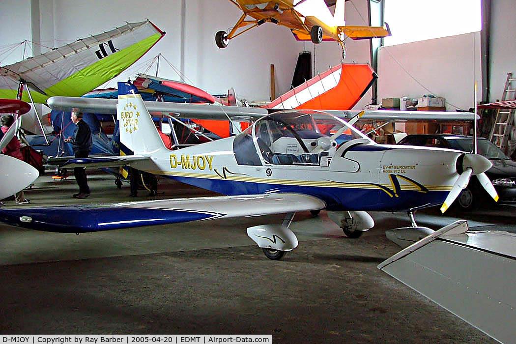 D-MJOY, 2002 Evektor EV-97 Eurostar C/N 2002-1402, Evektor EV-97 Eurostar [2002-1402] Tannheim~D 20/04/2005