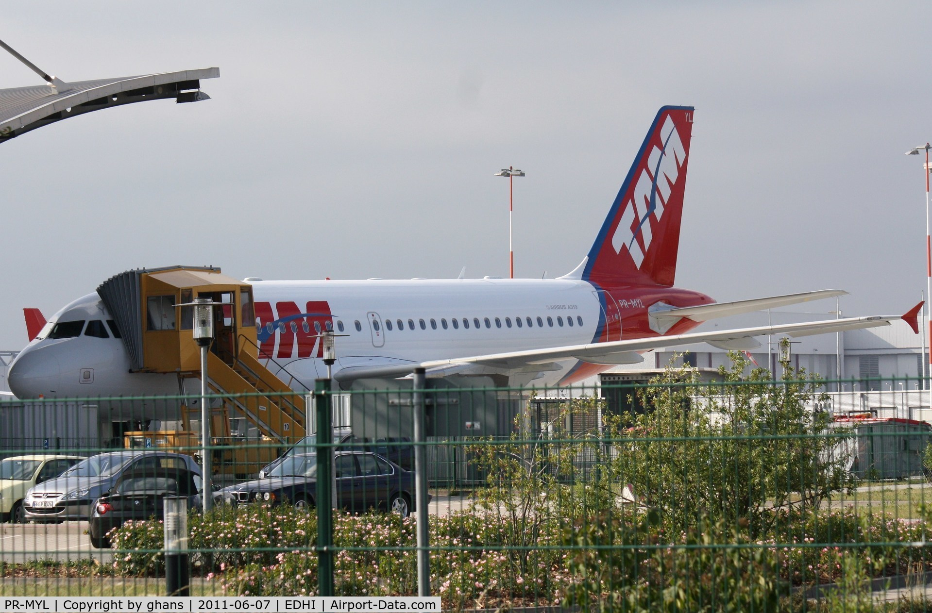 PR-MYL, 2011 Airbus A319-112 C/N 4734, prior to delivery
