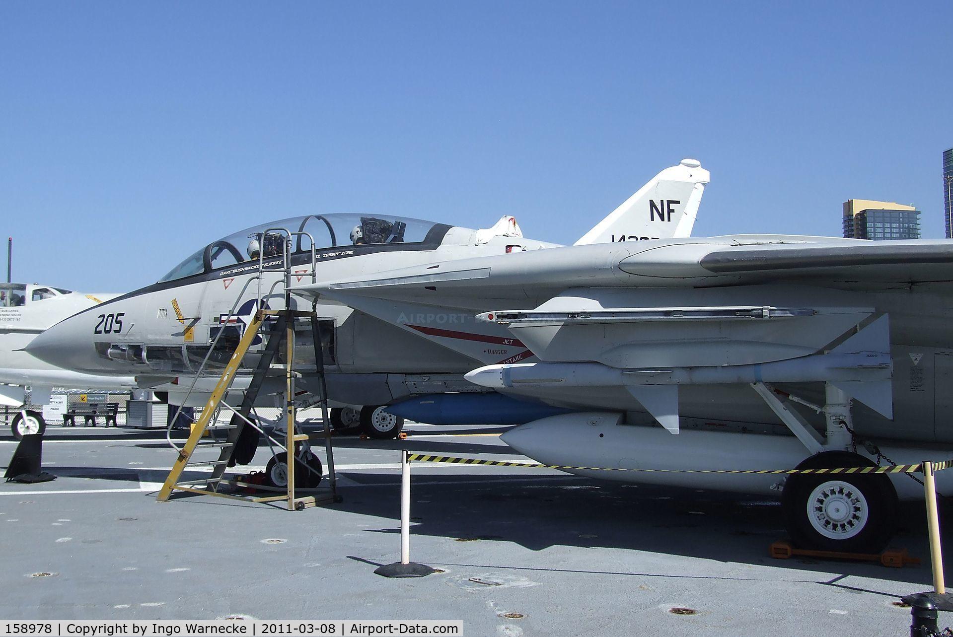 158978, Grumman F-14A Tomcat C/N 39, Grumman F-14A Tomcat on the flight deck of the USS Midway Museum, San Diego CA