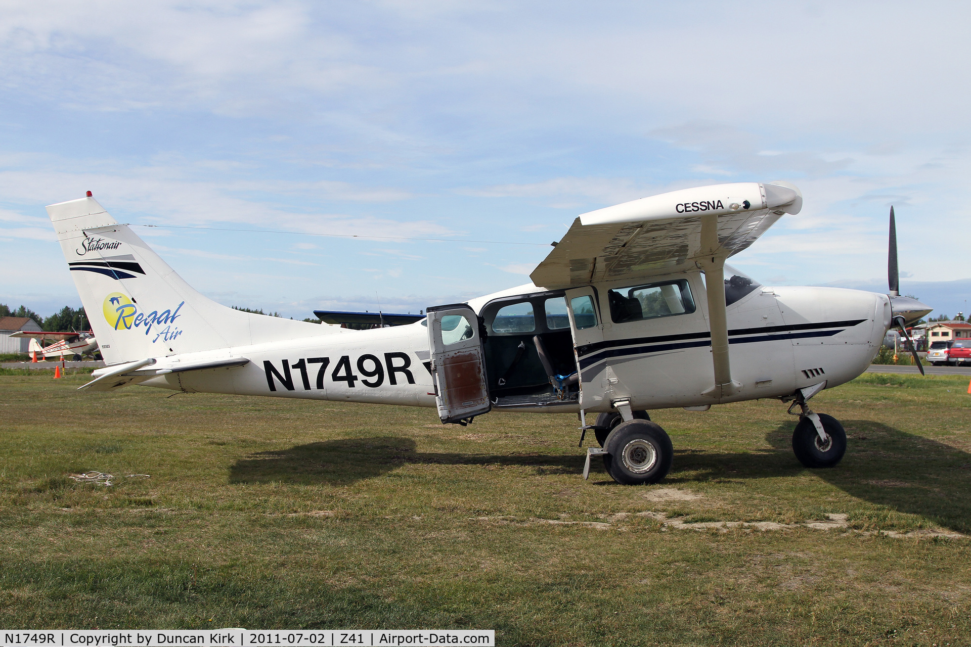 N1749R, Cessna U206G Stationair C/N U20604963, Readying for action