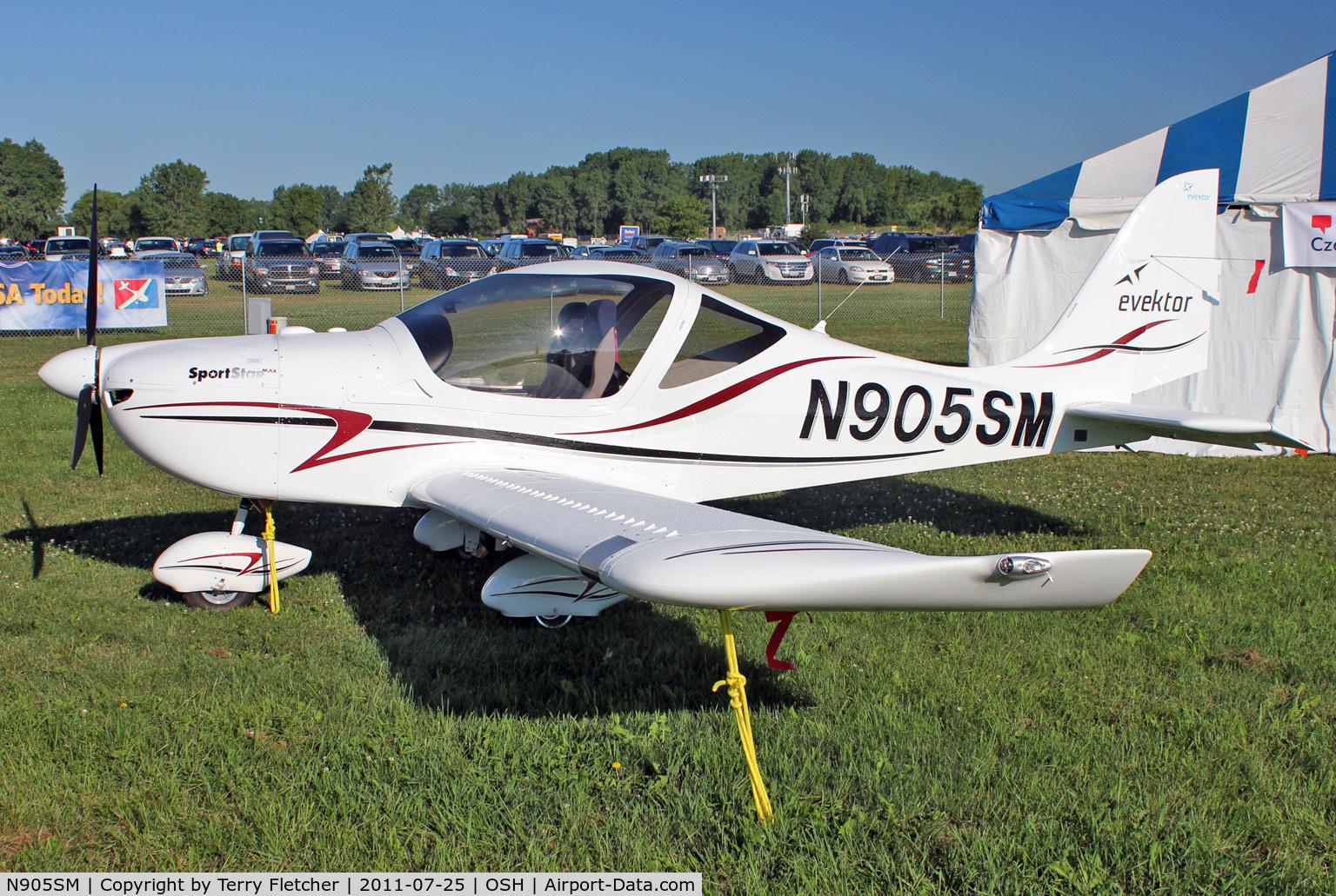 N905SM, Evektor-Aerotechnik Sportstar Max C/N 2010 1306, Evektor - Aerotechnik A S SPORTSTAR MAX, c/n: 2010 1306 displayed in the 2011 Oshkosh Static Park