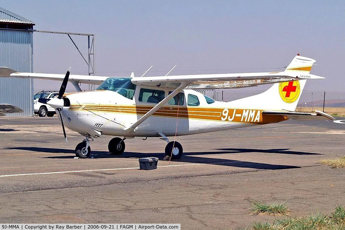 9J-MMA, Cessna U206F Stationair C/N U20602830, Cessna U.206F Stationair [U206-02830] Rand~ZS 21/09/2006.