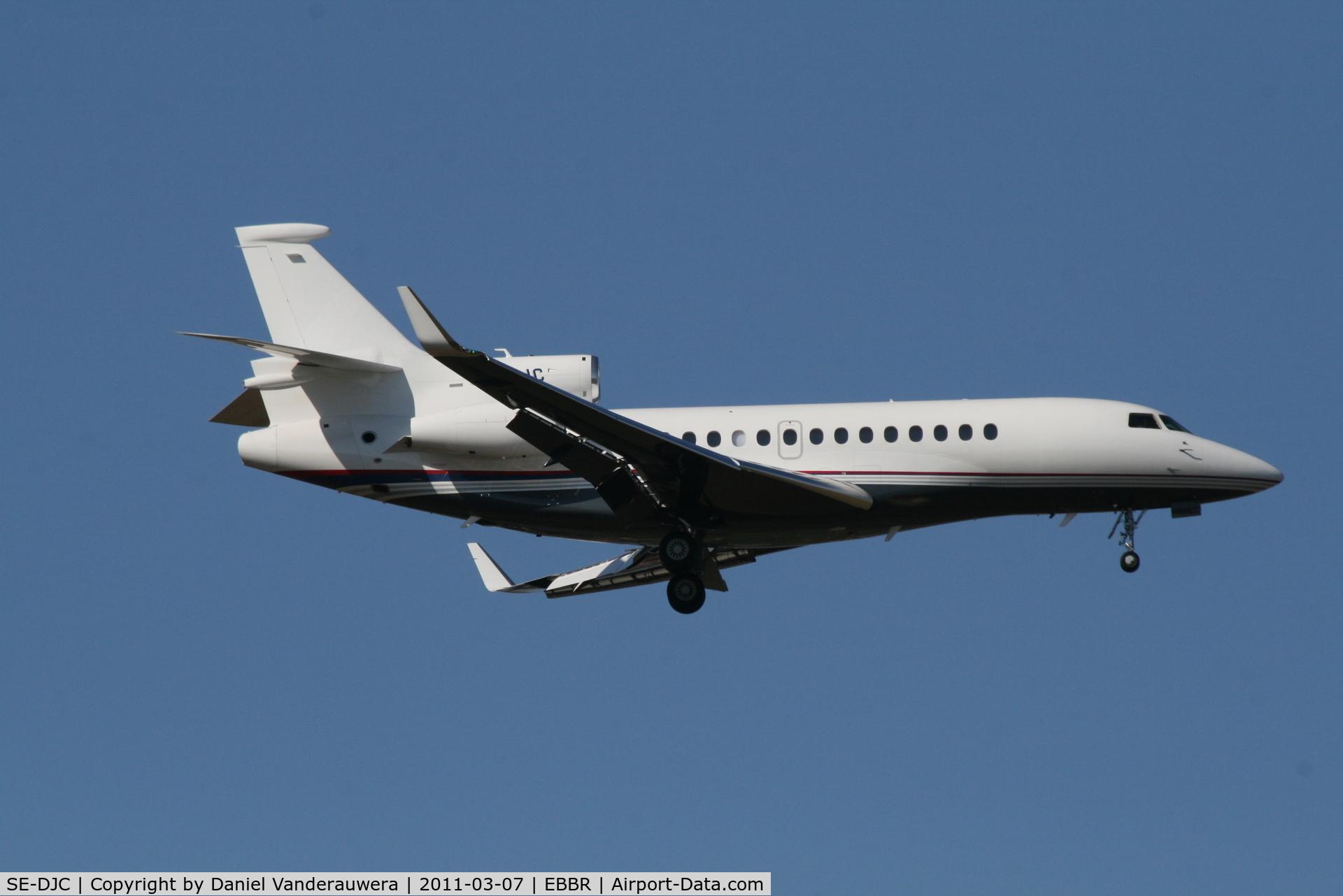 SE-DJC, 2009 Dassault Falcon 7X C/N 078, Arrival to RWY 02