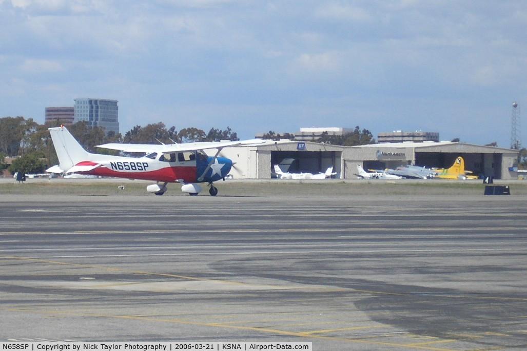 N658SP, 1999 Cessna 172S Skyhawk C/N 172S8063, Taxiing