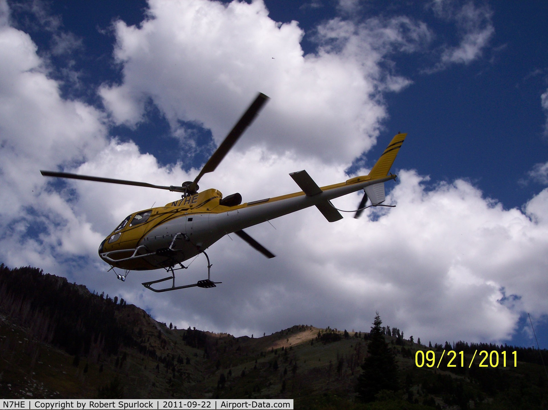 N7HE, 2000 Eurocopter AS-350B-3 Ecureuil C/N 3269, Flight of National park trail workers coming home for the season to Mineral King Heliport.