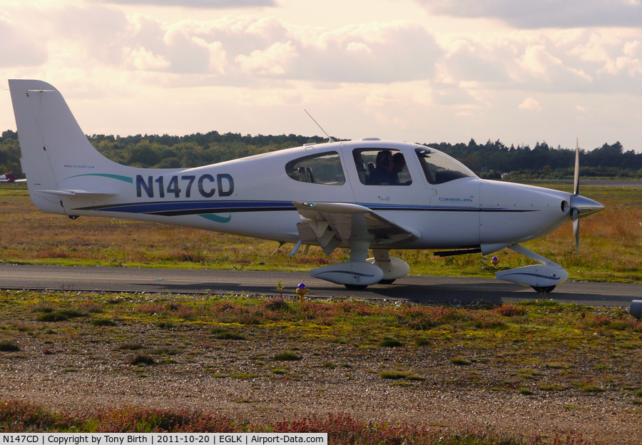 N147CD, 2000 Cirrus SR20 C/N 1043, Line up and hold