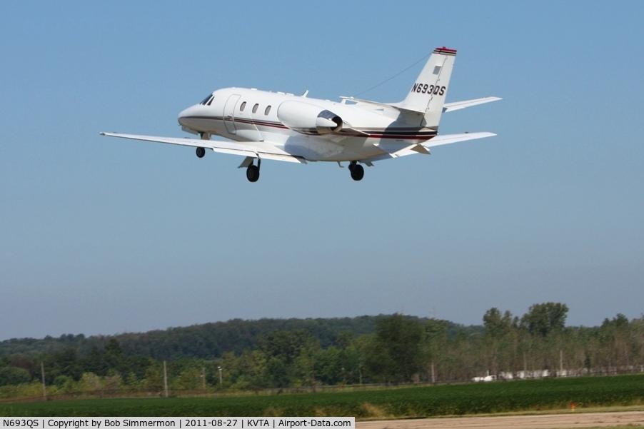 N693QS, 2006 Cessna 560XL C/N 560-5657, Departing Newark, Ohio