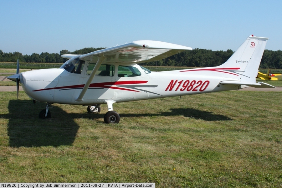 N19820, 1973 Cessna 172M Skyhawk C/N 17260783, At the EAA fly-in - Newark, Ohio