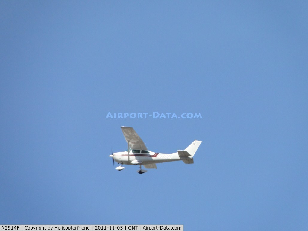 N2914F, 1965 Cessna 182J Skylane C/N 18257014, Turned south over the runways