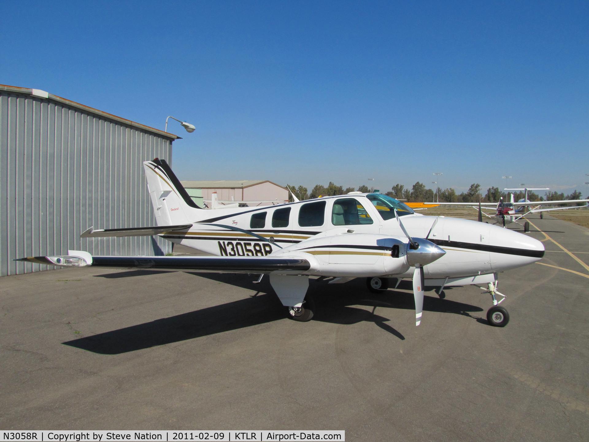 N3058R, 1998 Raytheon Aircraft Company 58 C/N TH-1870, On Top Aviation LLC (Salinas, CA) 1998 Raytheon Beechcraft 58 Baron photographed @ Tulare, CA