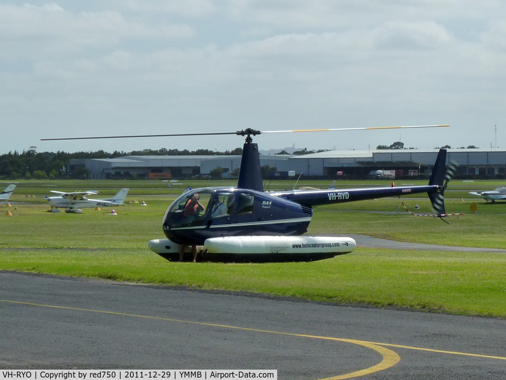 VH-RYO, 2008 Robinson R44 Raven C/N 1910, Romeo Yankee Oscar at Moorabbin fitted with floats