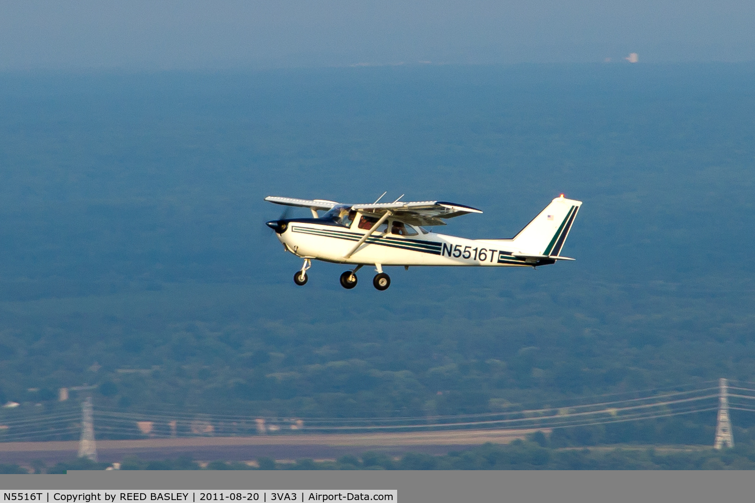 N5516T, 1964 Cessna 172E Skyhawk C/N 17251416, N5516T IN FLIGHT