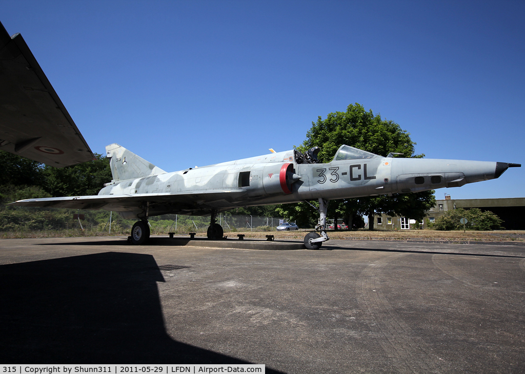 315, Dassault Mirage IIIR C/N 315, Stored at LFDN and seen during Open Day...