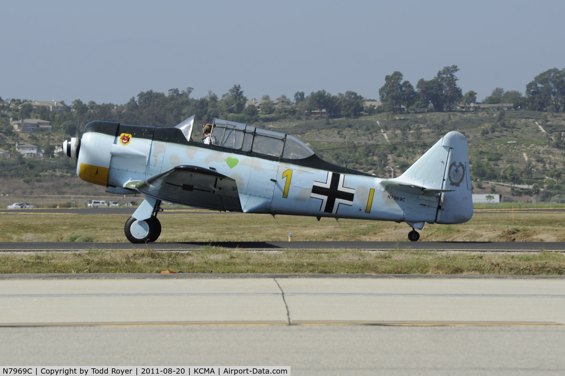 N7969C, North American SNJ-5 C/N 43974, Taxi for departure at Camarillo