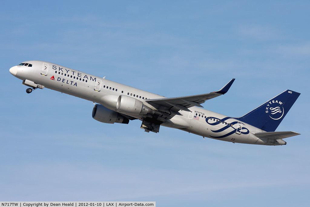 N717TW, 1999 Boeing 757-231 C/N 28485, Delta Air Lines
