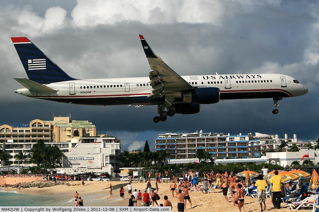 N942UW, 1995 Boeing 757-2B7 C/N 27807, Over Maho Beach