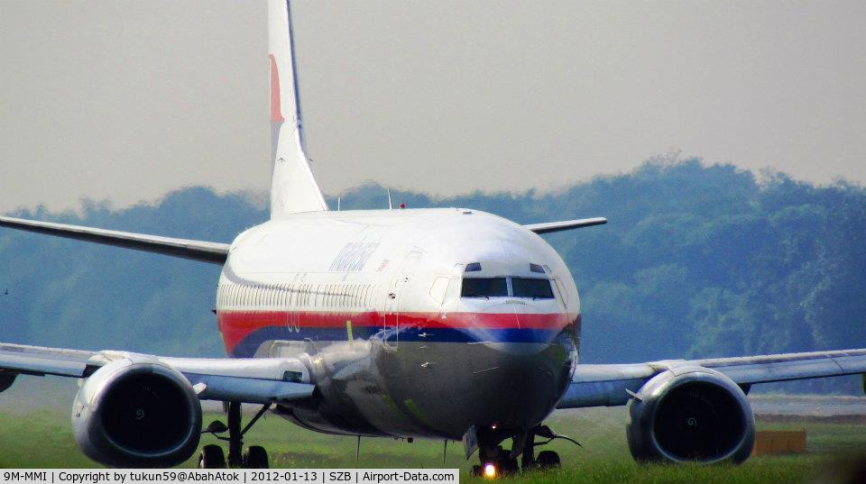 9M-MMI, 1992 Boeing 737-4H6 C/N 27096, she just came out from hangar for test flight, maybe for re-painting