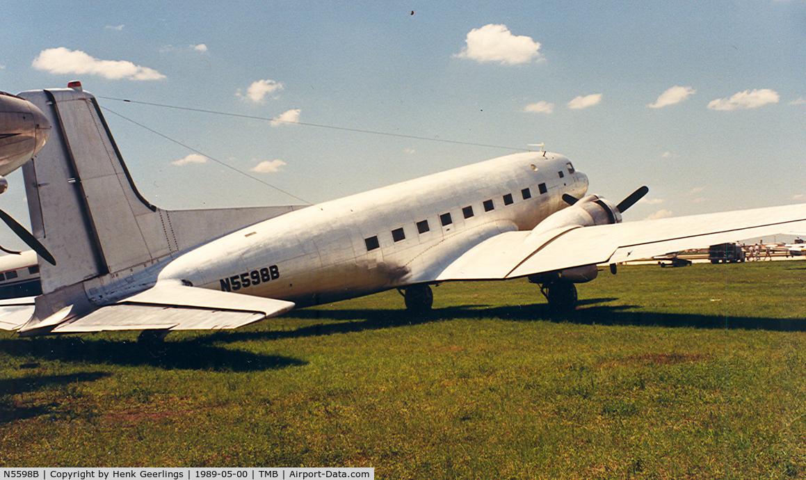 N5598B, Douglas C-117D C/N 43325, Tamiami Apt