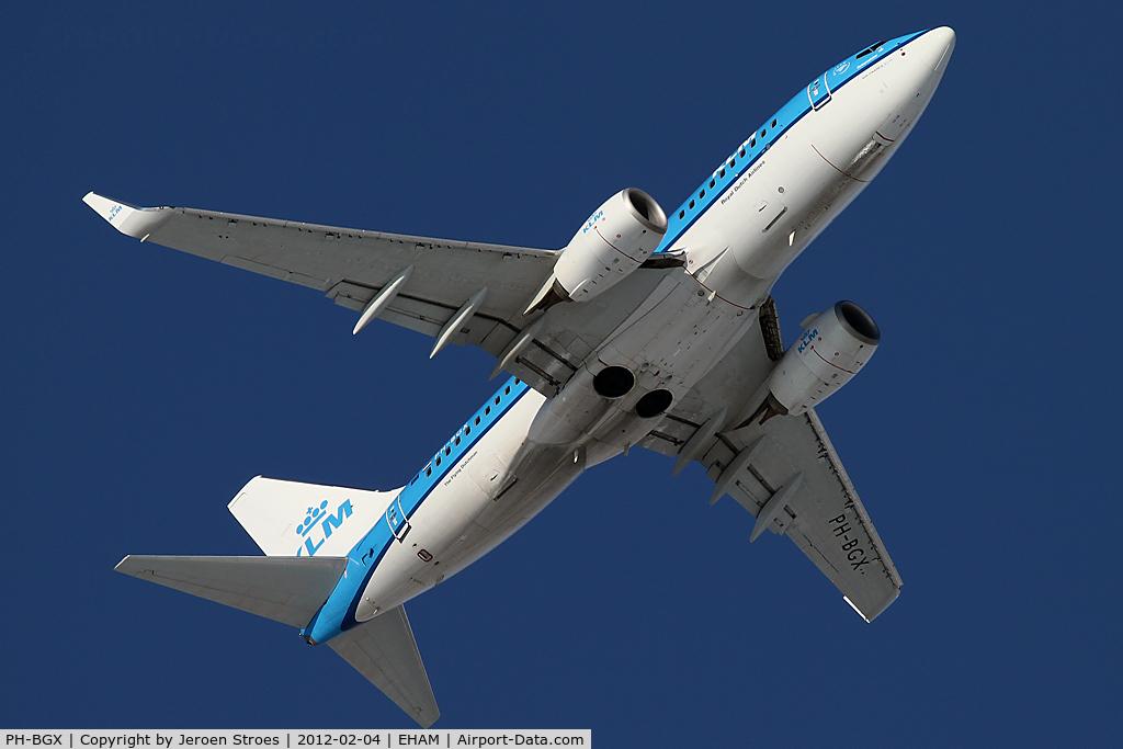 PH-BGX, 2011 Boeing 737-7K2 C/N 38635, rwy 09 departure
