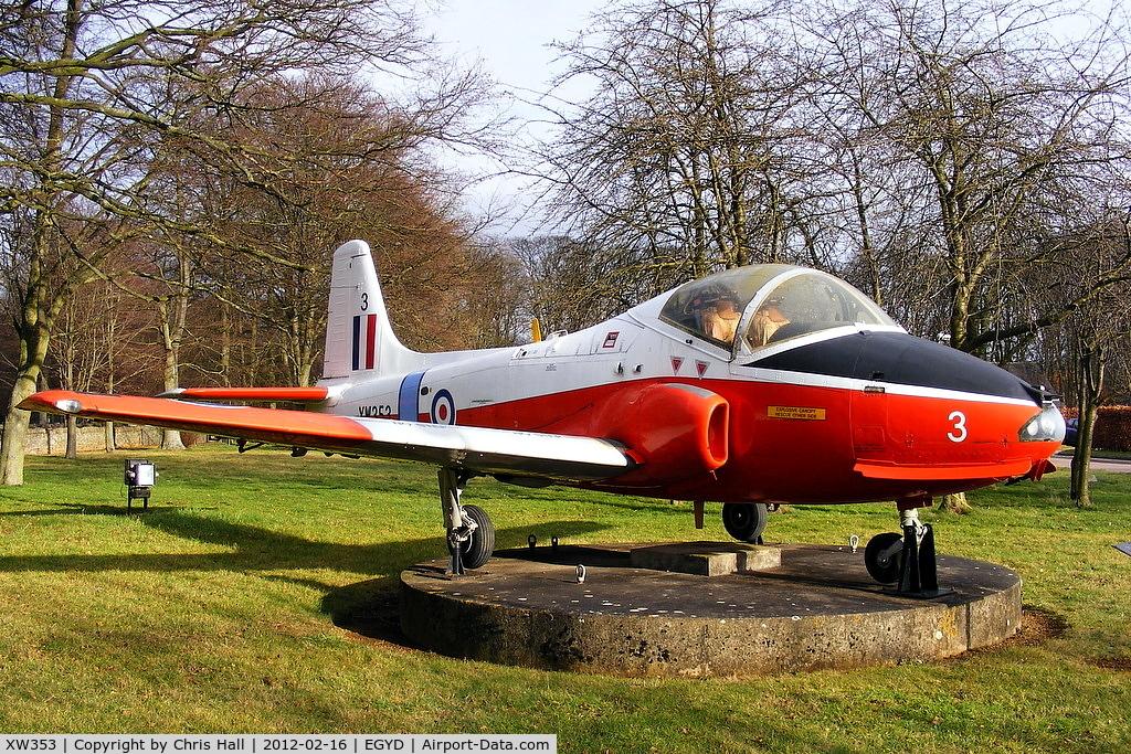 XW353, 1971 BAC 84 Jet Provost T.5A C/N EEP/JP/1003, RAF Cranwell gate gaurdian