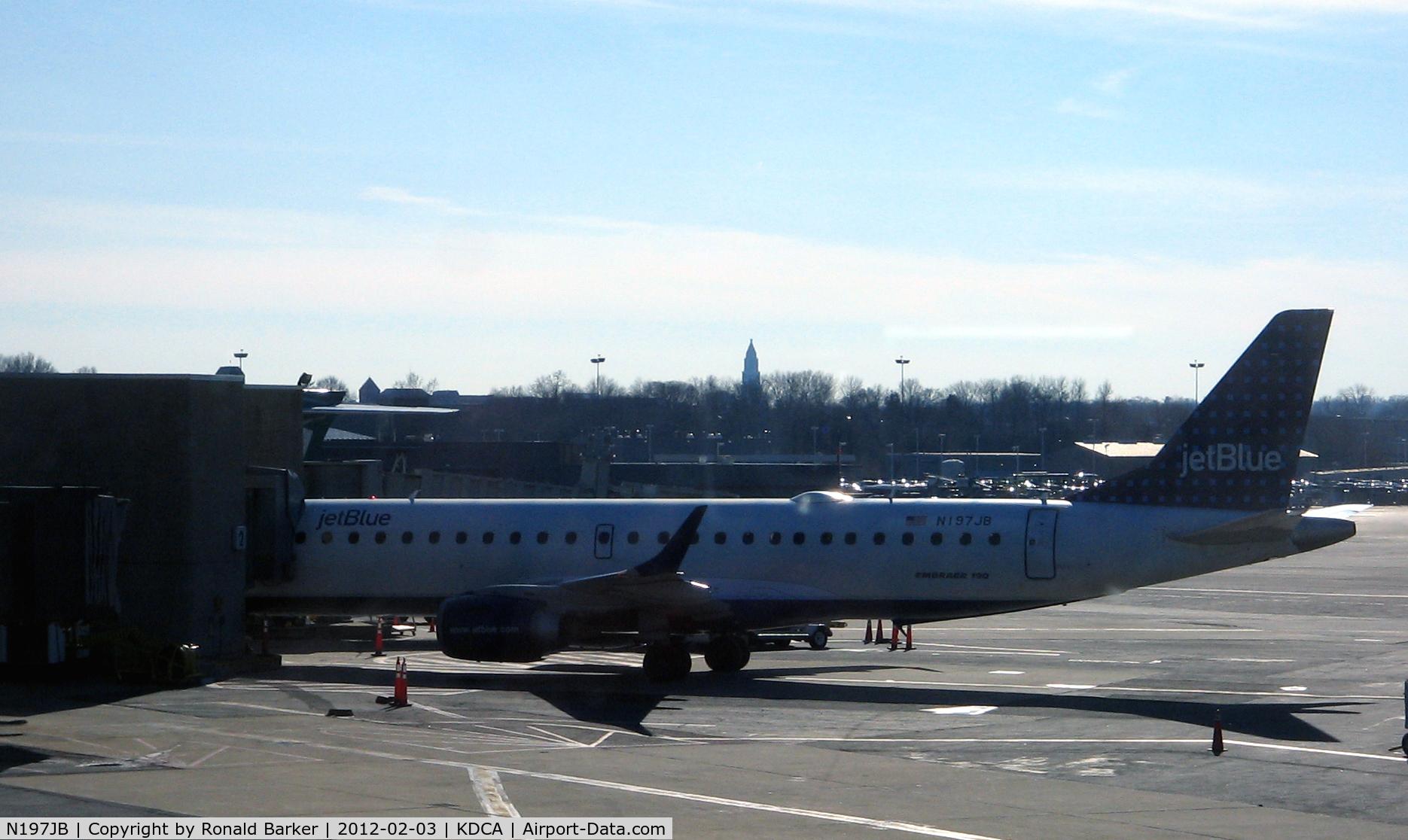N197JB, 2006 Embraer ERJ-190-100 IGW 190AR C/N 19000020, DCA, VA