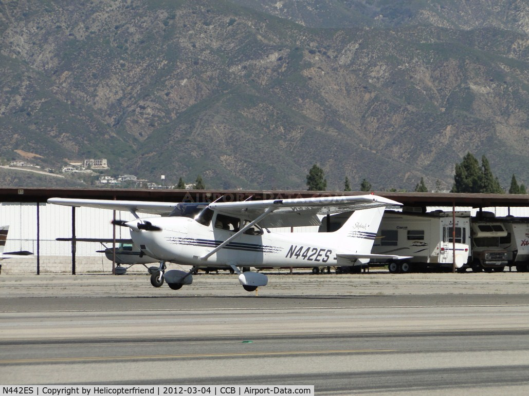 N442ES, 1998 Cessna 172R Skyhawk C/N 17280350, One hour and 6 minutes later landing at Cable