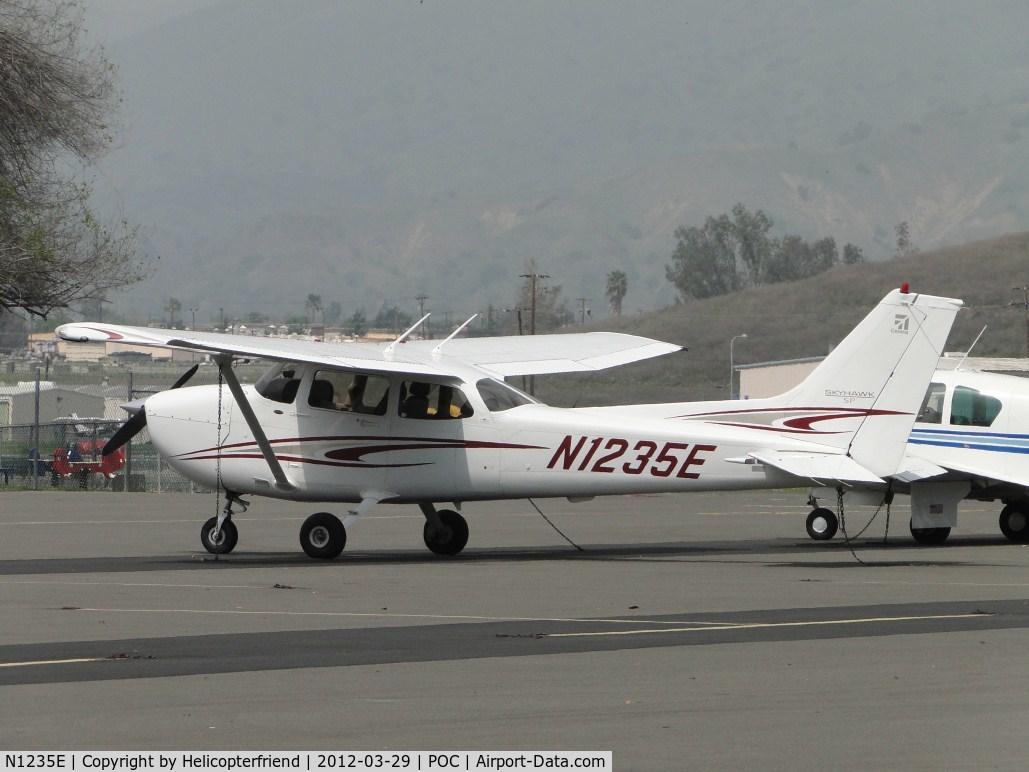 N1235E, 2005 Cessna 172S Skyhawk C/N 172S9847, Parked in transient parking
