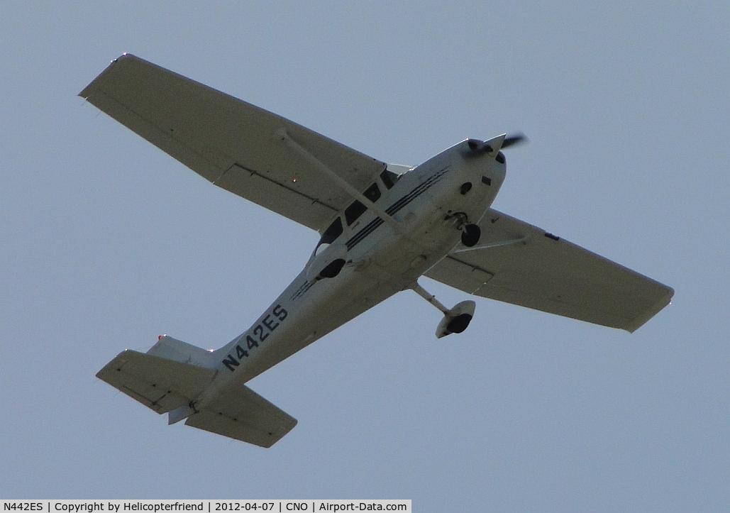 N442ES, 1998 Cessna 172R Skyhawk C/N 17280350, Flying over