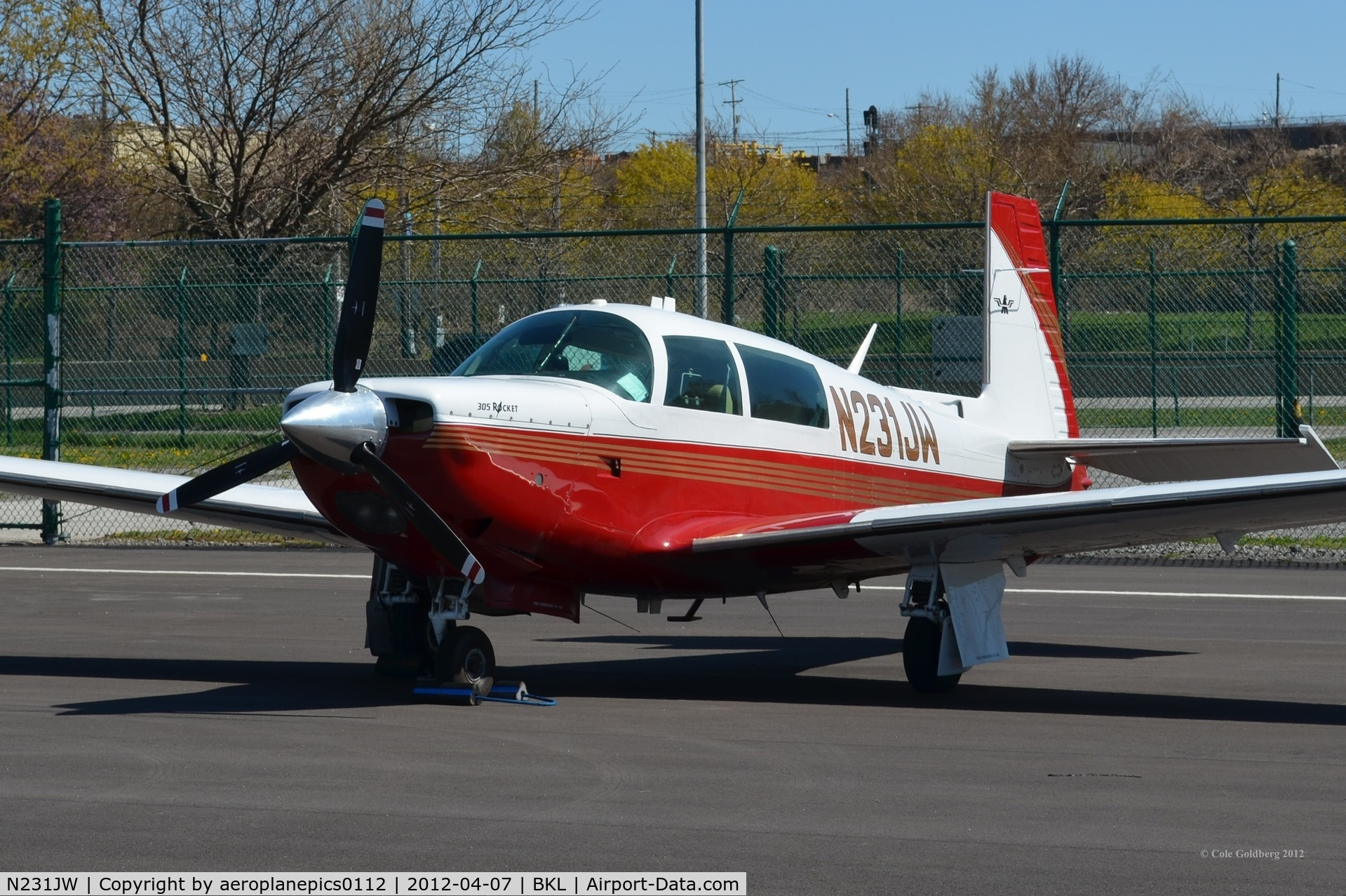N231JW, 1979 Mooney Aircraft Corp. M20K C/N 25-0031, N231JW seen at KBKL in red paint.