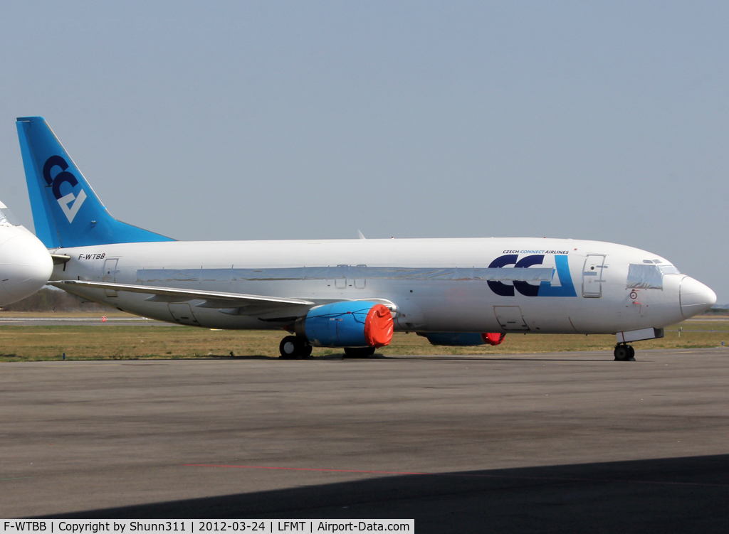 F-WTBB, Boeing 737-42C C/N 24813/2062, Ex. OK-CCB and now stored...
