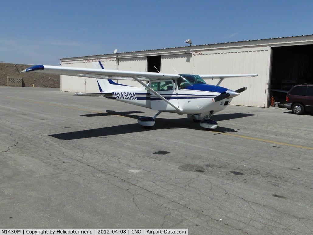 N1430M, 1975 Cessna 182P Skylane C/N 18264328, Getting ready to go flying