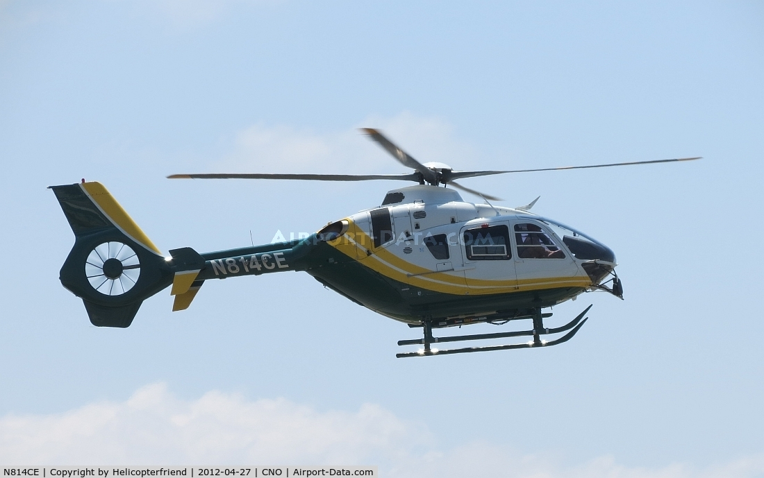 N814CE, 2007 Eurocopter EC-135P-2+ C/N 0623, Turning westbound and approaching the hanger