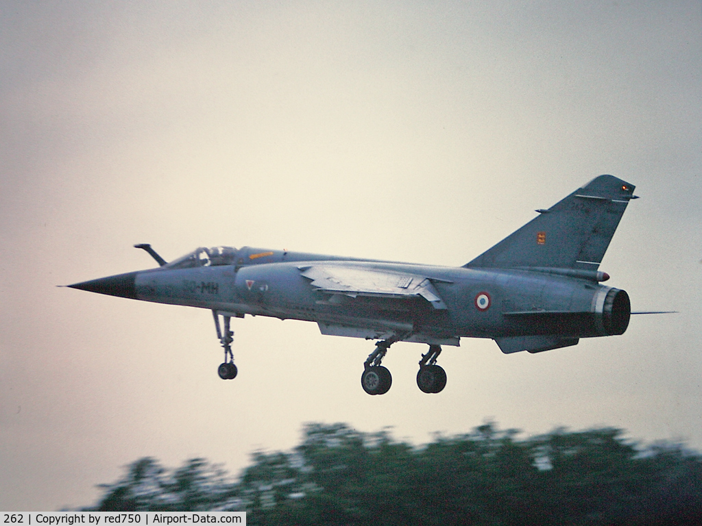 262, Dassault Mirage F.1C-200 C/N 262, Photograph by Edwin van Opstal with permission. Scanned from a color slide.