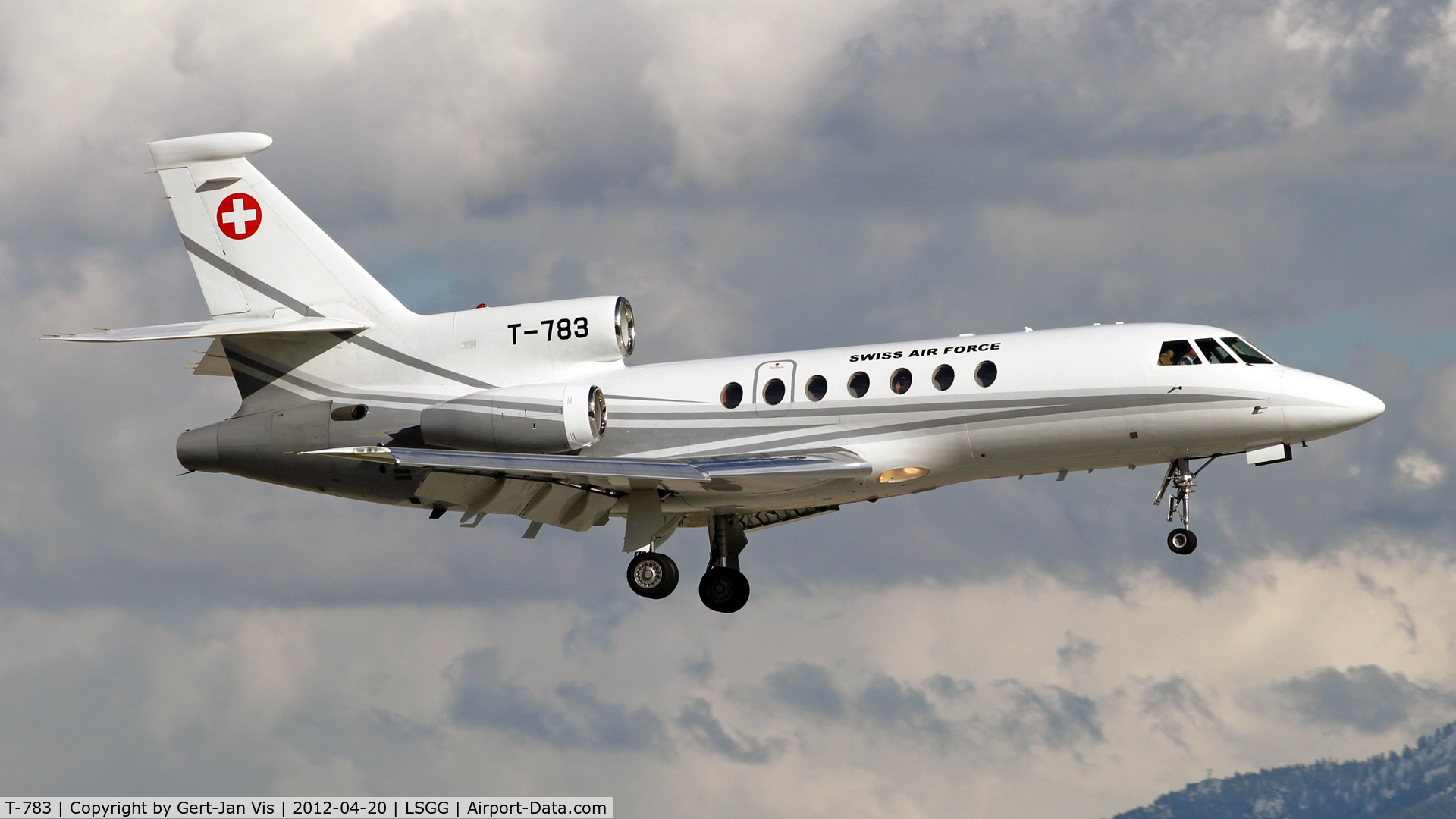 T-783, Dassault Falcon 50 C/N 67, About to land rw23