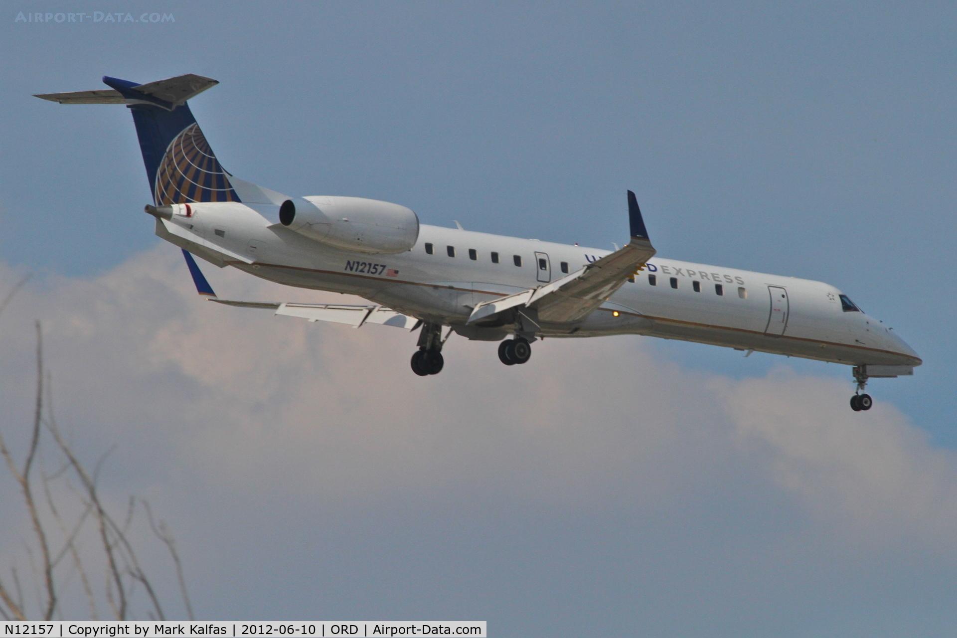 N12157, 2004 Embraer EMB-145XR C/N 145787, ExpressJet Airlines/United Express Embraer EMB-145XR, ASQ1621 arriving from Quad City Int'l /KMLI, RWY 10 approach KORD.