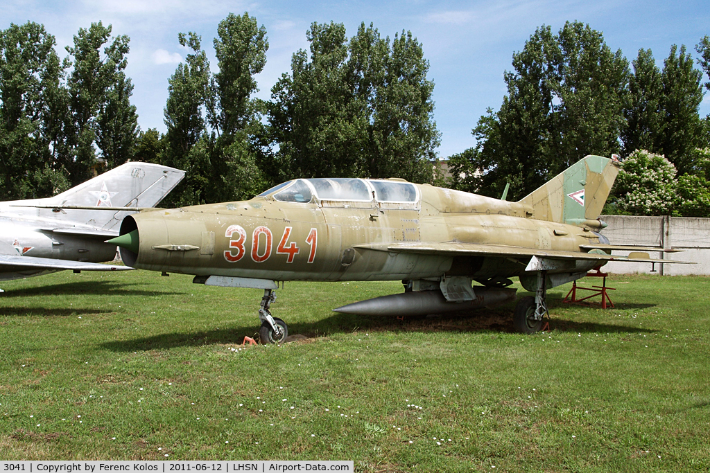 3041, 1974 Mikoyan-Gurevich MIG-21UM C/N 516903041, Szolnok