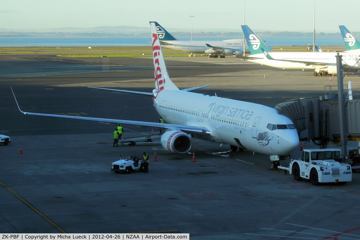 ZK-PBF, 2004 Boeing 737-8FE C/N 33799, At Auckland