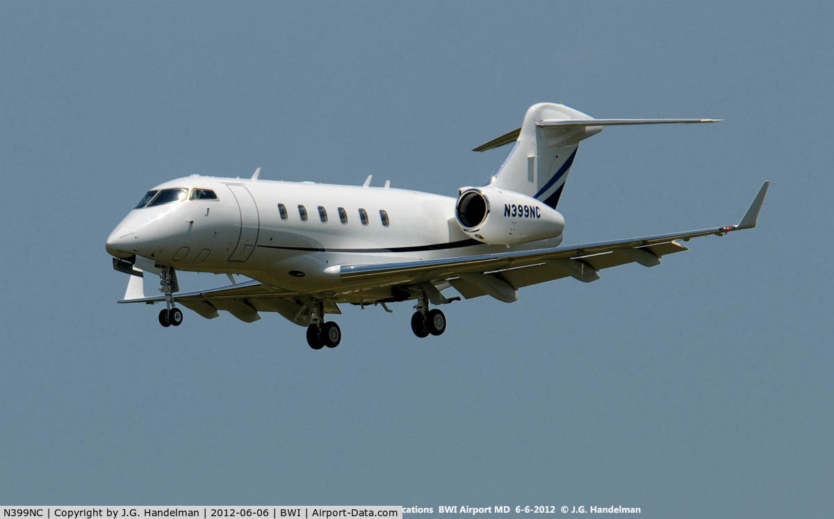 N399NC, 2011 Bombardier Challenger 300 (BD-100-1A10) C/N 20847, Final approach to 33L at BWI