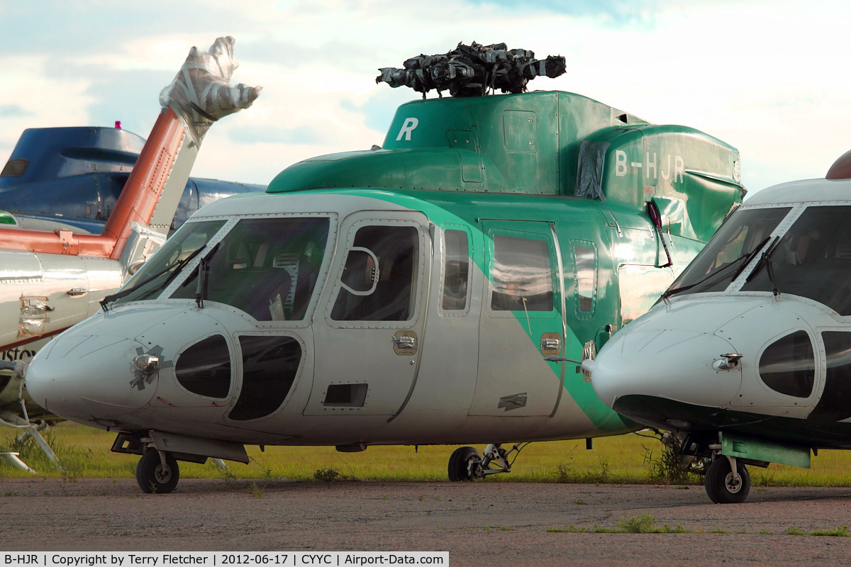 B-HJR, 1998 Sikorsky S-76C+ C/N 760497, ex Hong Kong Helicopter with Eagle Helicopters at Calgary