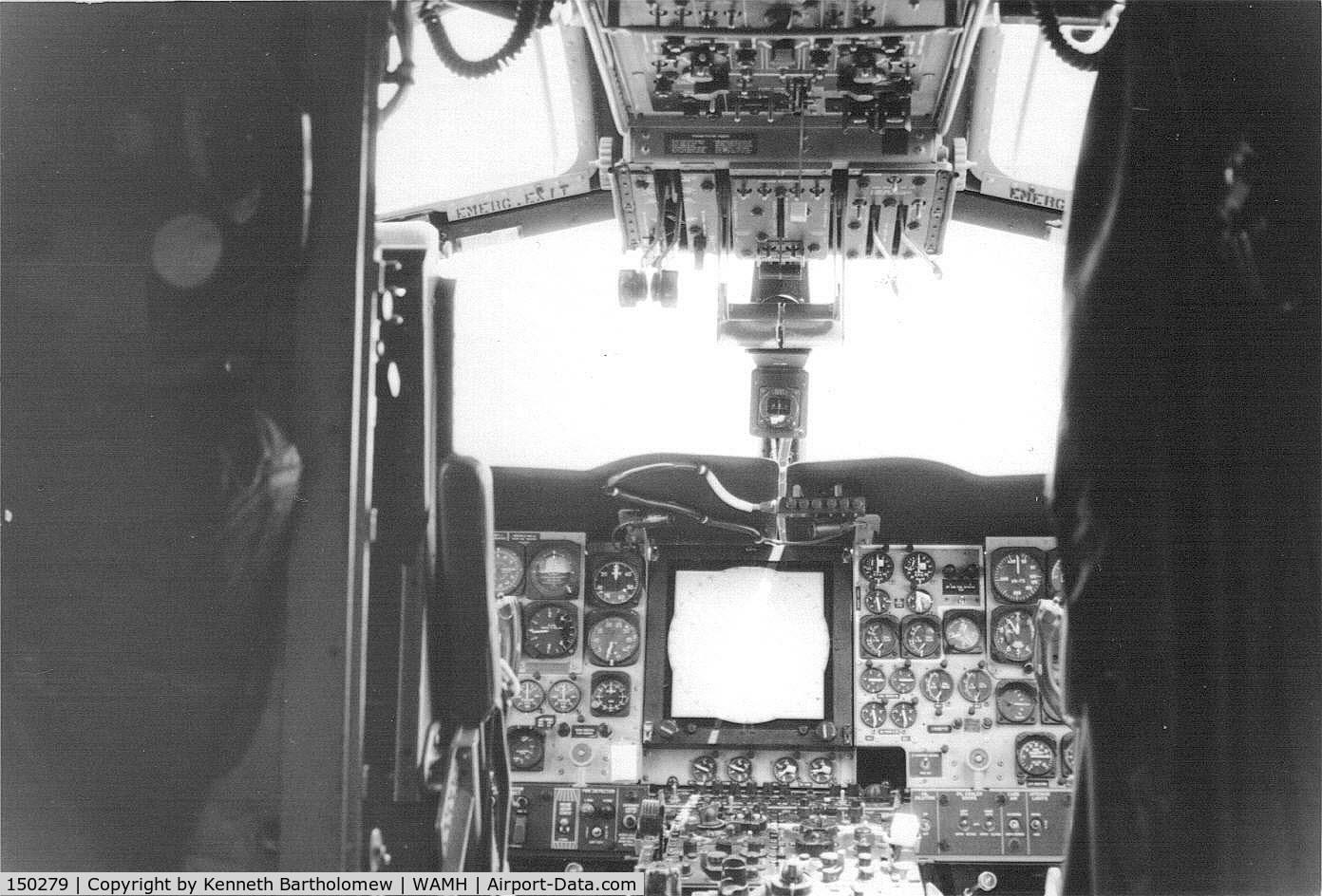 150279, Lockheed SP-2H Neptune C/N 726-7282, Cockpit 150279 in Naha - VP-4