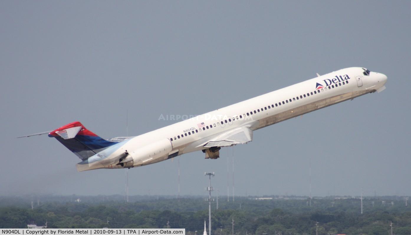 N904DL, 1987 McDonnell Douglas MD-88 C/N 49535, Delta MD-88