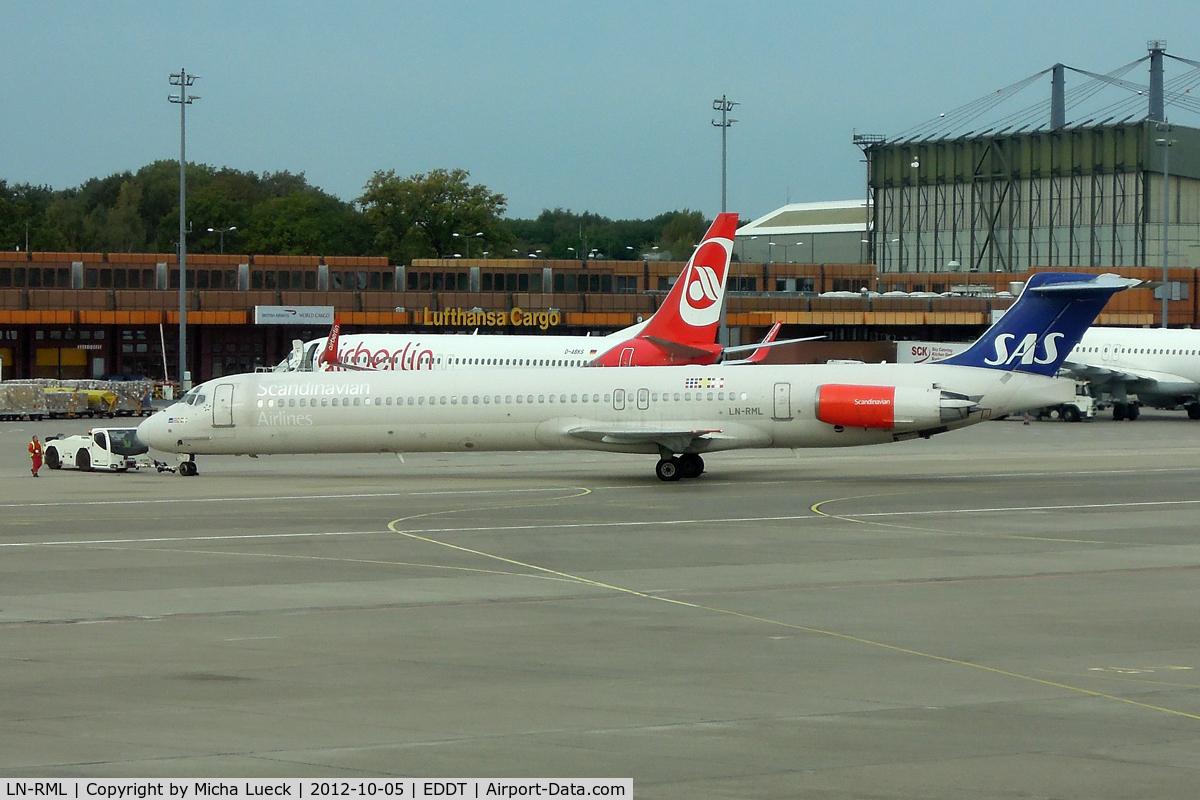 LN-RML, 1991 McDonnell Douglas MD-82 (DC-9-82) C/N 53002, At Tegel