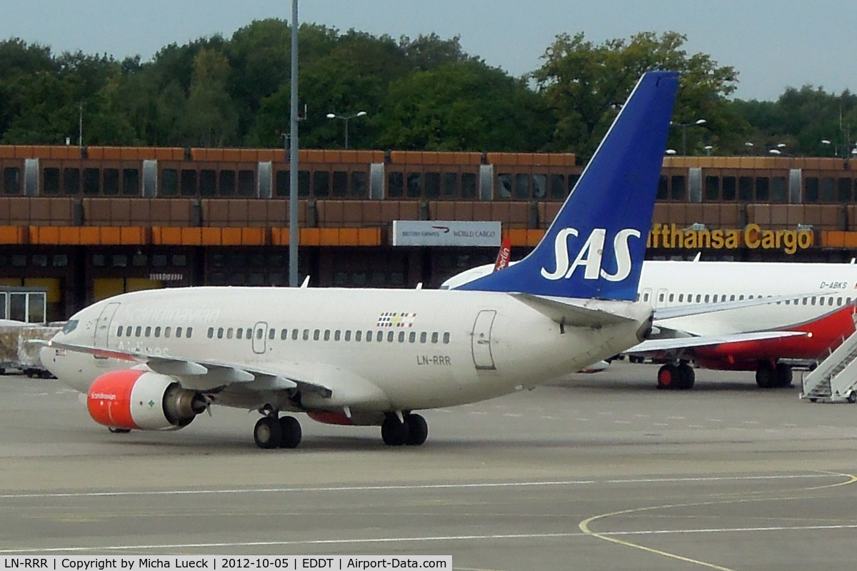 LN-RRR, 1999 Boeing 737-683 C/N 28309, At Tegel