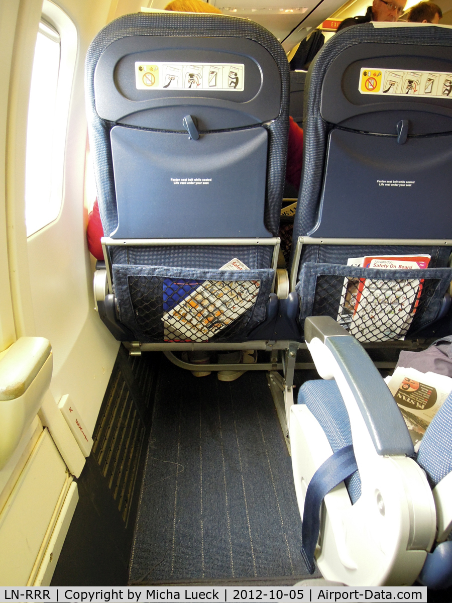 LN-RRR, 1999 Boeing 737-683 C/N 28309, Plenty of legroom at the emergency exit (TXL-ARN)