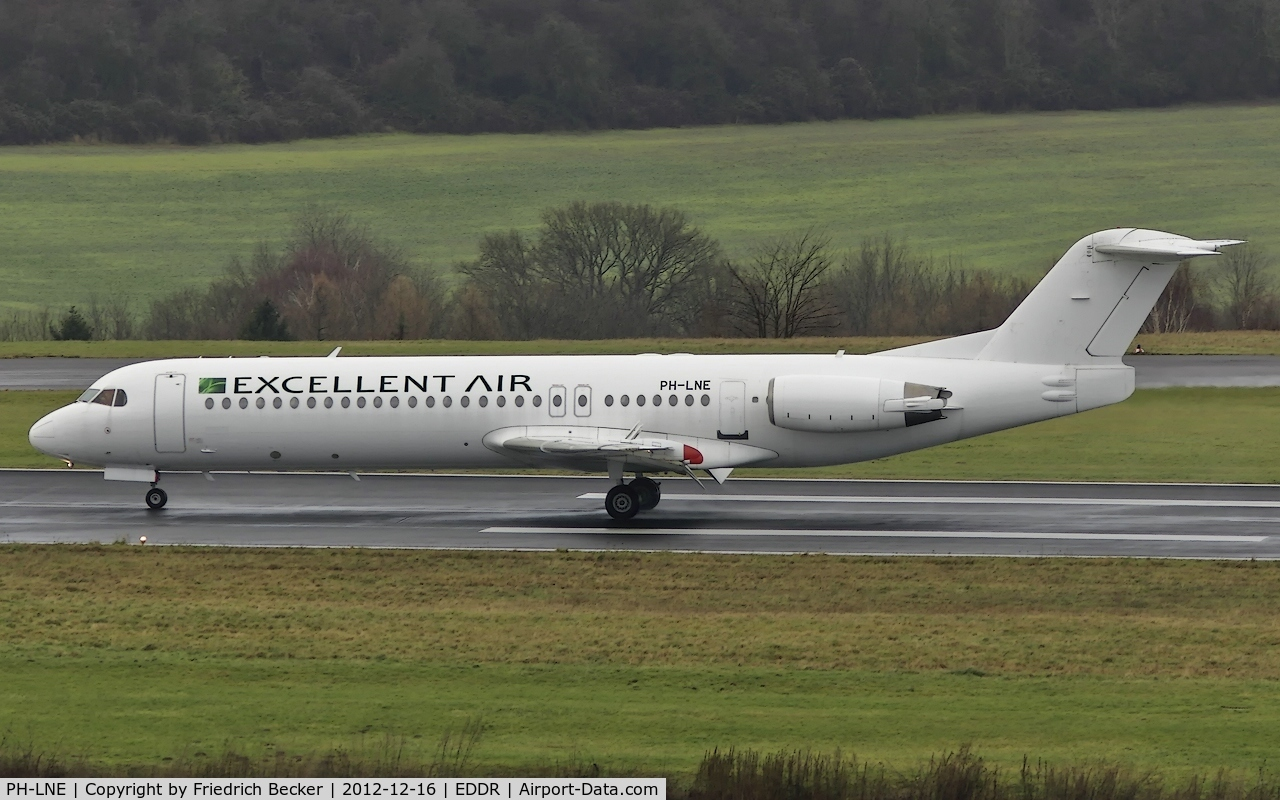 PH-LNE, 1991 Fokker 100 (F-28-0100) C/N 11322, decelerating after touchdown