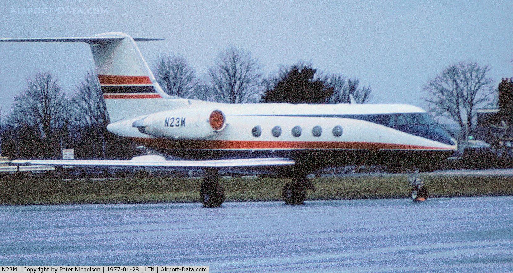 N23M, 1971 Grumman G-1159 Gulfstream II C/N 105, Gulfstream II seen at Luton in January 1977.